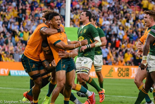 Len Ikitau scores his first try